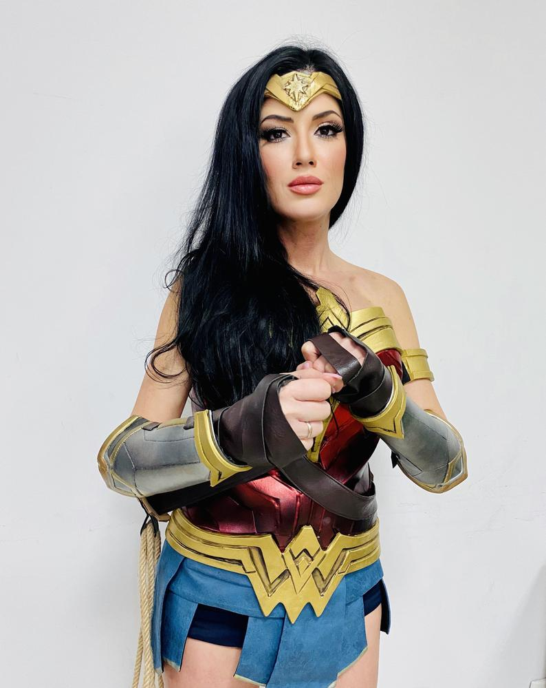 Wonder Woman cosplay costume