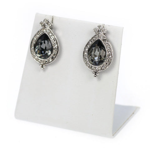 Vinisia Earrings
