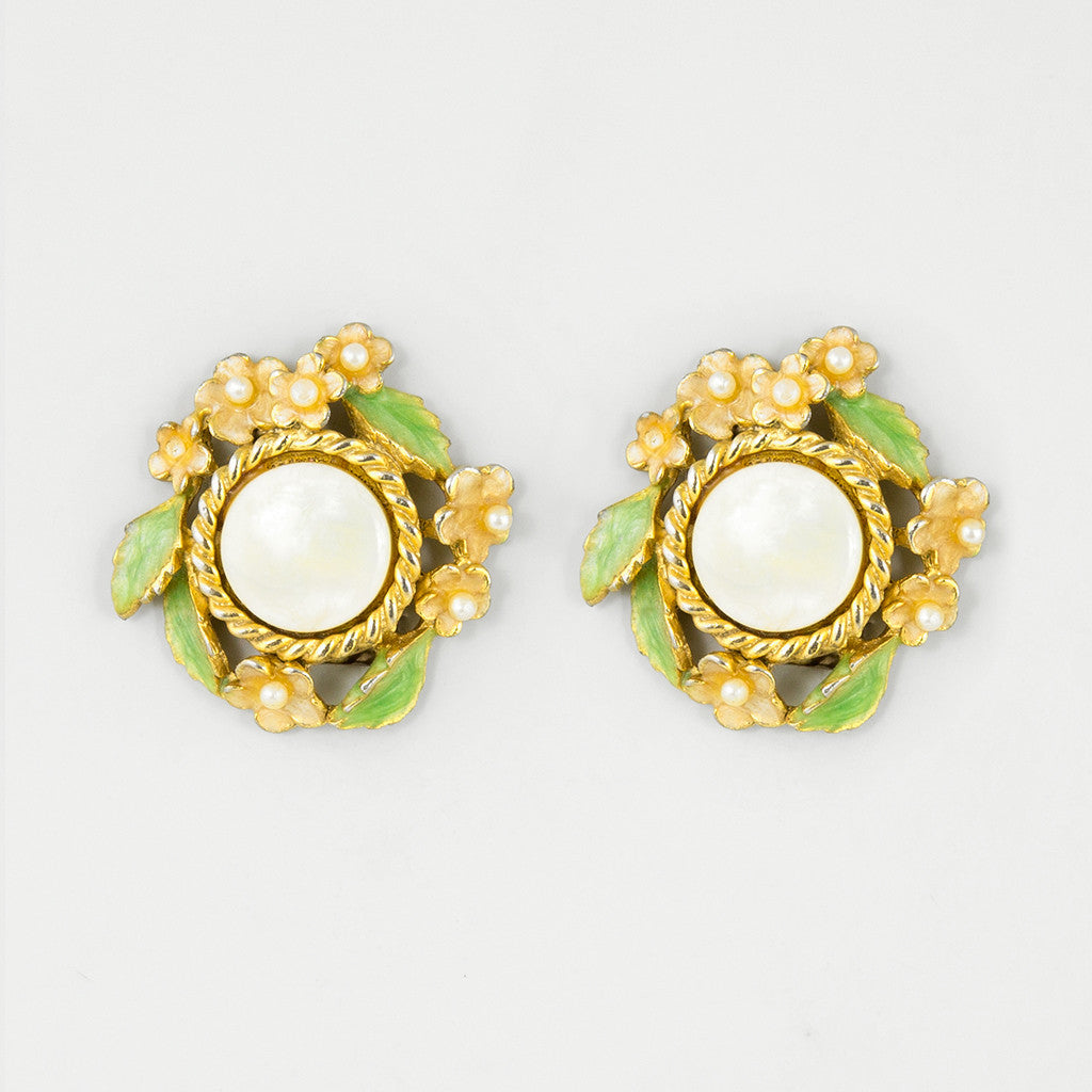 Coy vintage statement earrings