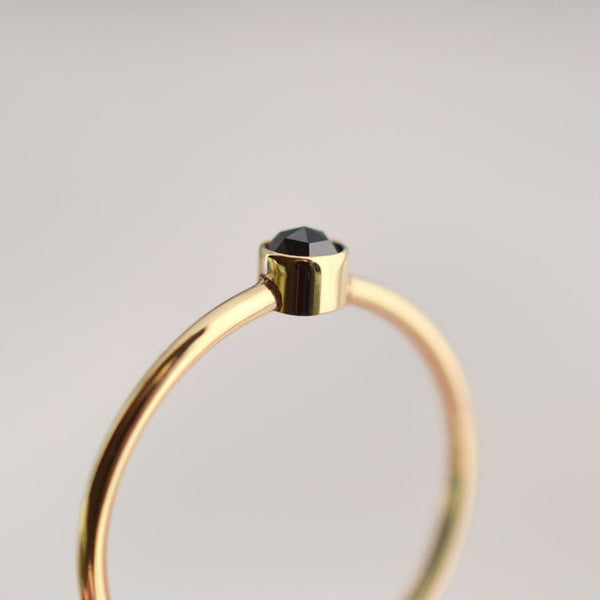 Ring - Sora - Black Star - 9ct Gold With Black Diamond