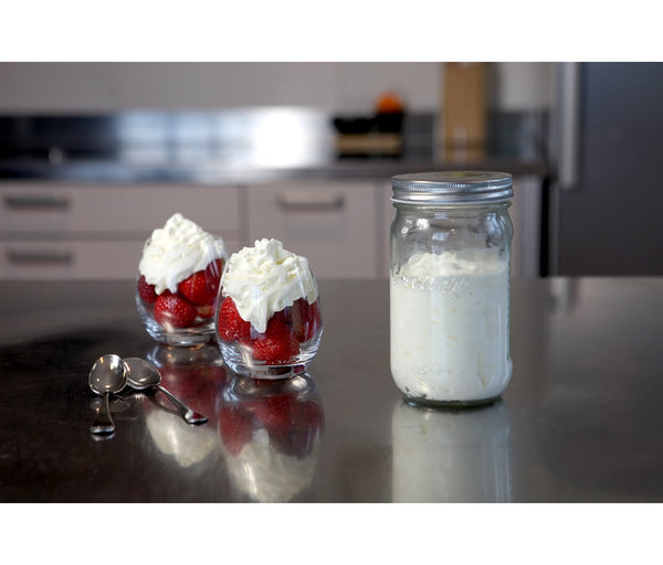 Whipped Cream in 1 Minute