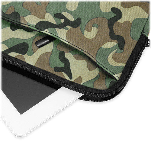 Camouflage Suit with Pocket - Apple iPad 2 Case