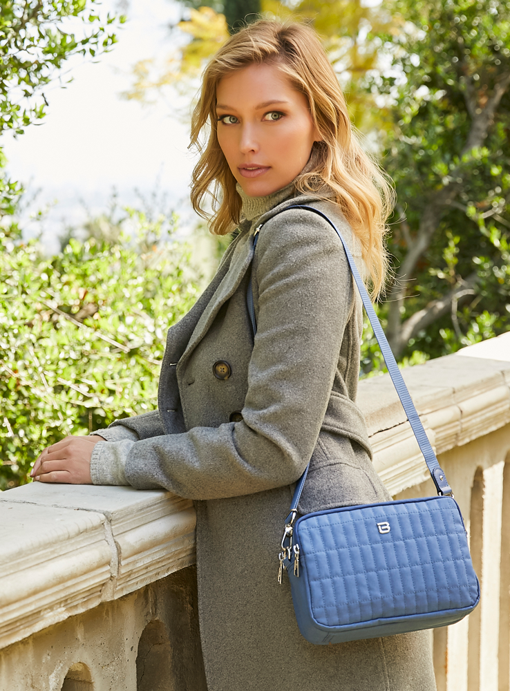 Crossbody Bag - Larrabee Crossbody Bag Model Blue Frost