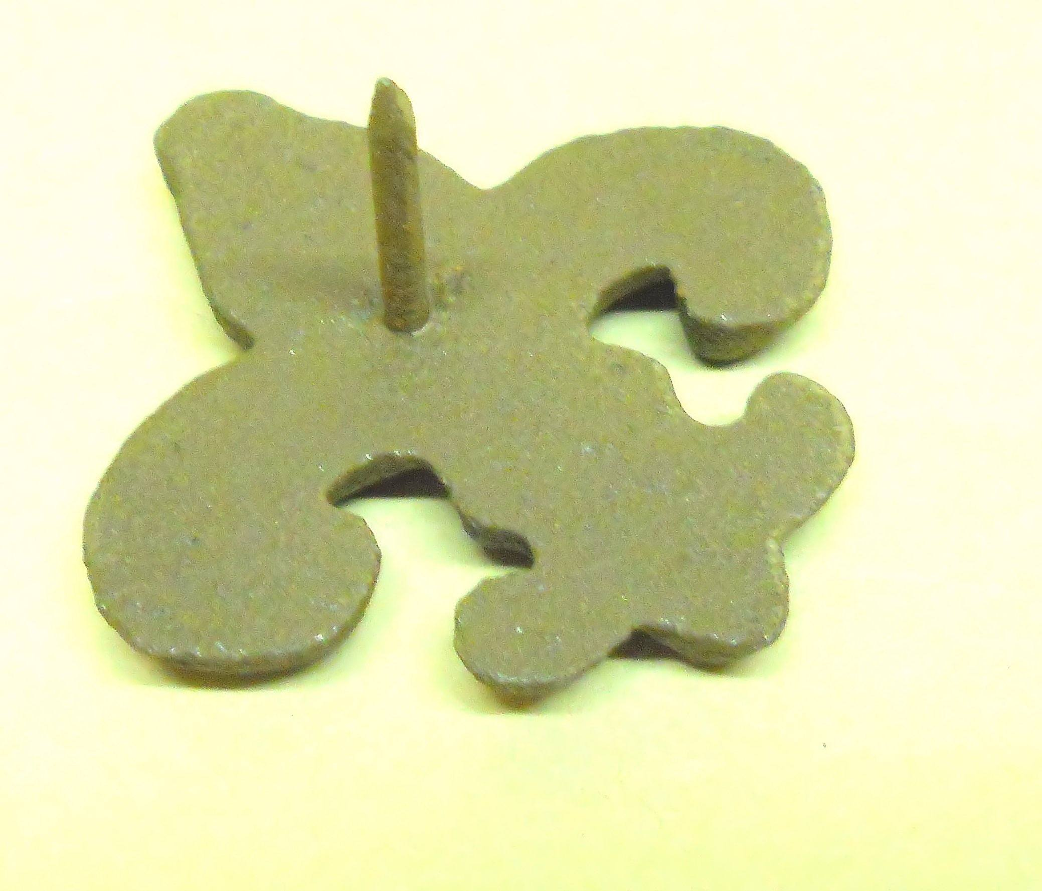 Fleur de Lys 25 pc Cast Iron Embellishments w/ Nail 2.5x2.5 inch All-Purpose Craft Supplies Carvers Olde Iron