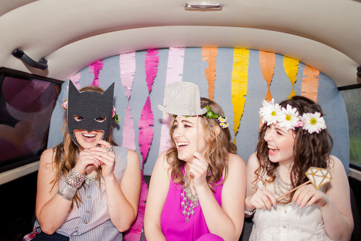 How to Decorate a Photo Booth