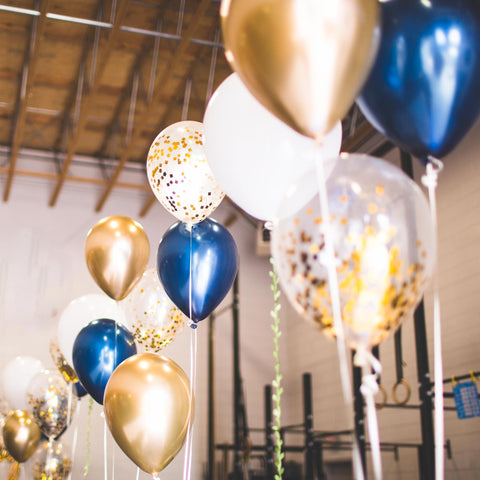 navy blue balloon bouquets