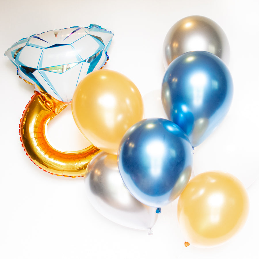Engagement Balloons: Diamond Ring Balloon Bouquet
