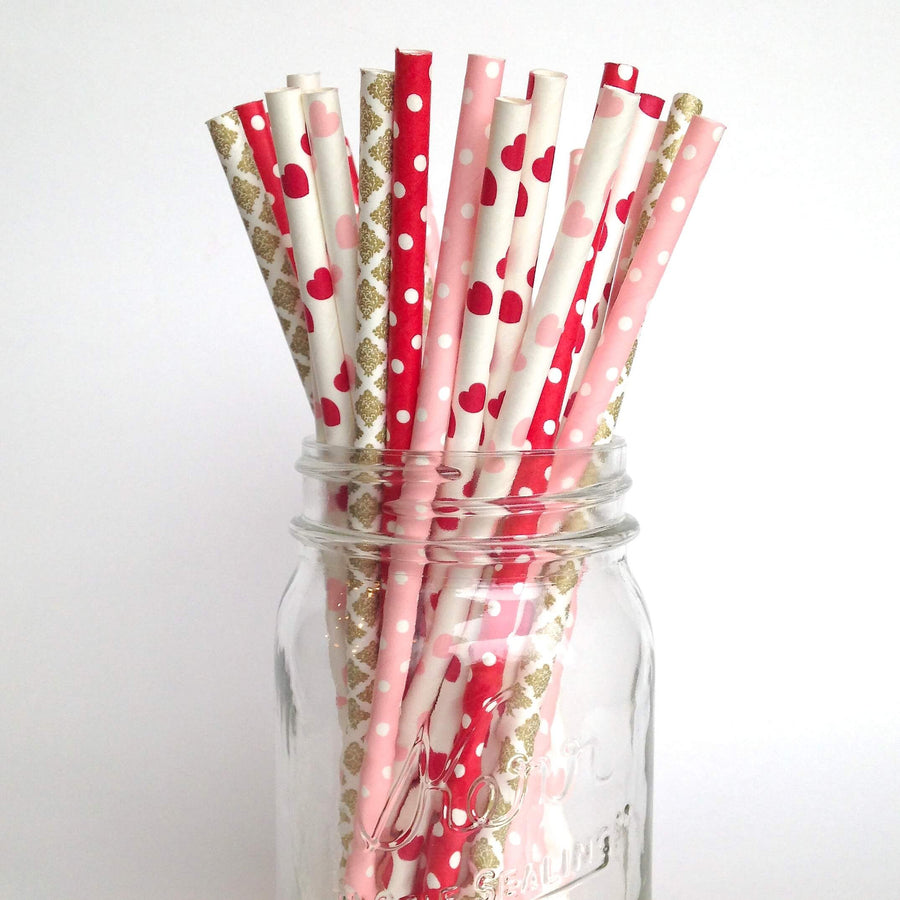 Valentine's Day Party Straws | twigsandtwirls.com