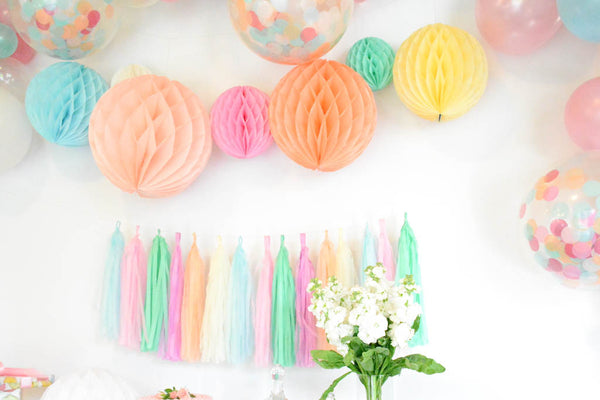 ice cream sundae party decor