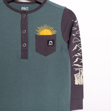 Long Sleeve Henley Pocket Tee - 'Outdoors' - Silver Pine