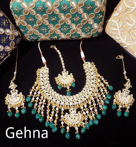 Aslesha Necklace Set