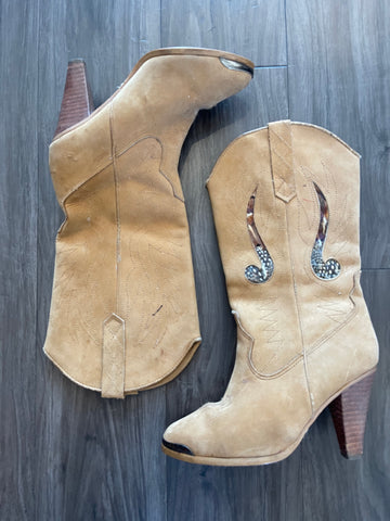 Vintage 80's Tan Faux Suede Feather Detail Heeled Boot