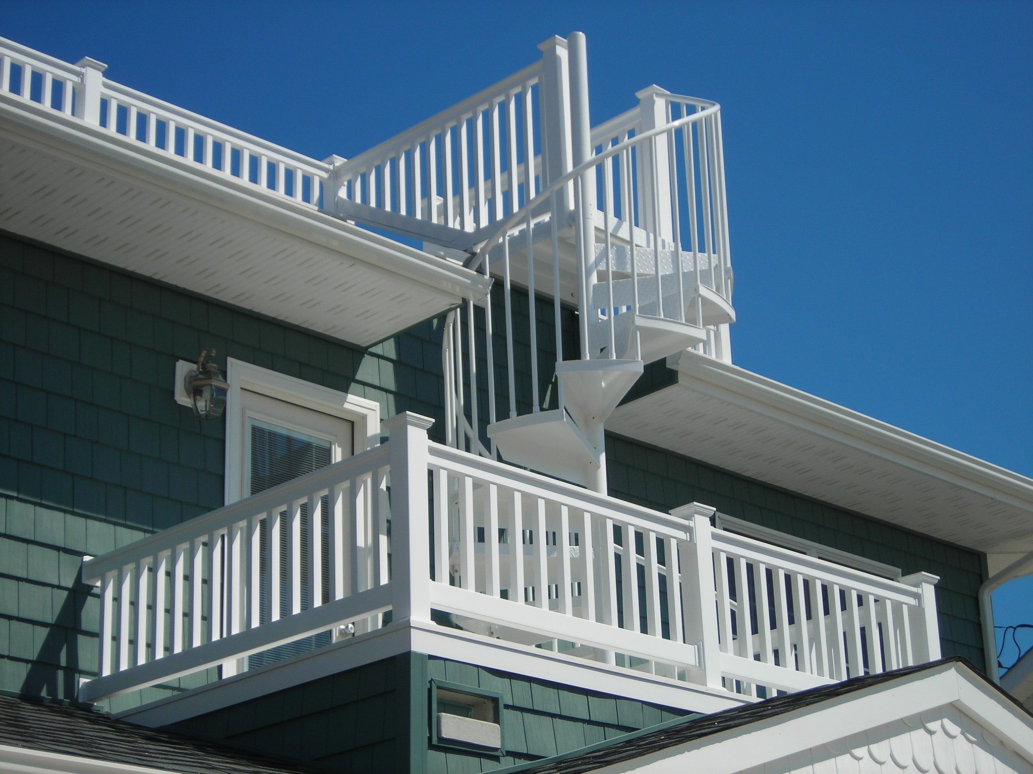Vinyl Railing Kit with Square Balusters
