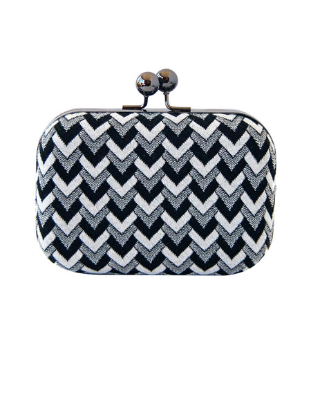 featured-Zig Zag Print Clutch