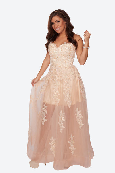featured-Sheer-bottom-gown-with-lace-appliqués