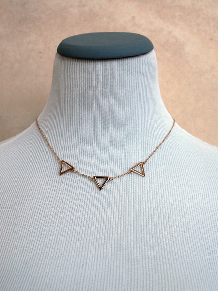 Framed Plated Triangle Arrow Necklace - Gold
