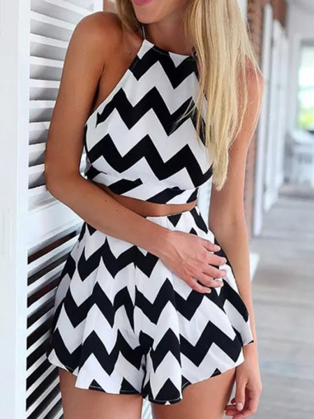 Monochrome Chevron Print Crop Top And High Waist Shorts - MYNYstyle - 1