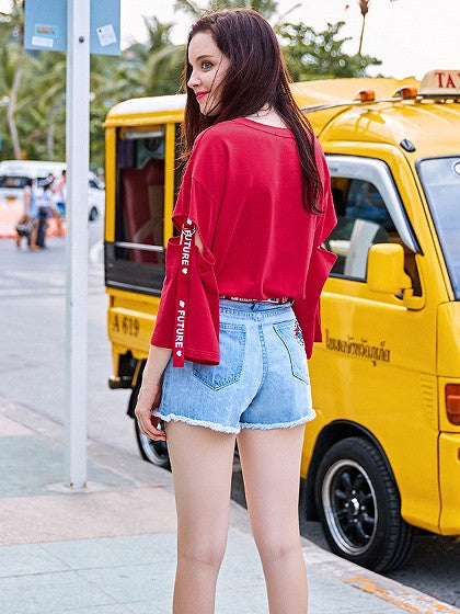 Red Letter Print Ripped Sleeve D-ring Top Detail T-shirt
