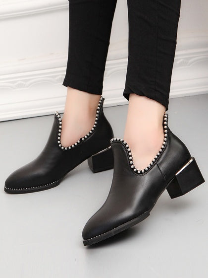 Black Studs Detail Pointed Slip-on  Chelsea Shoes