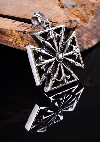 Vintage Flower Cross 316L Stainless Steel Pendant Necklace