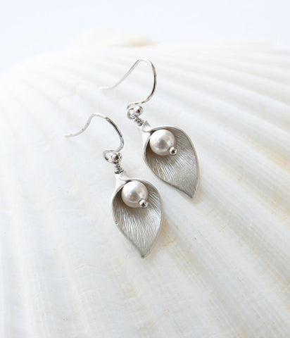 Silver Plated Pearl Calla Lily Dangle Earrings
