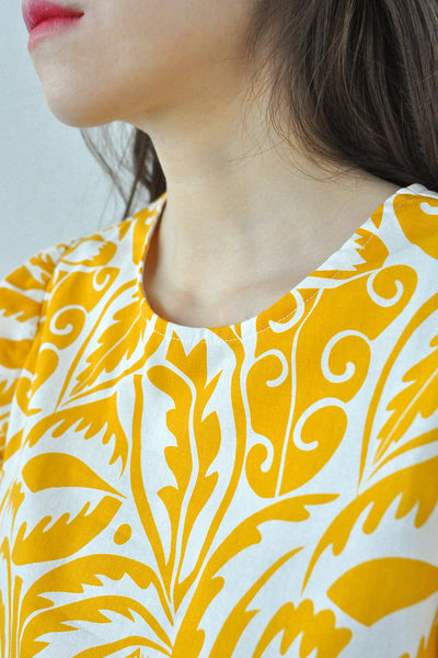 Puffy Sleeves Motif Top