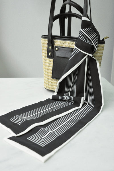 Striped Border Scarf (black)