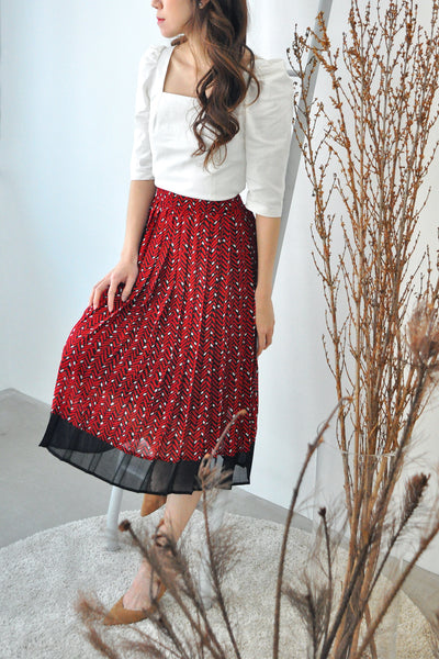 Contrast Hem Pleated Skirt