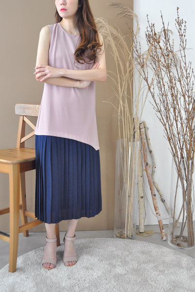 Contrast Pleated U-Hem Dress