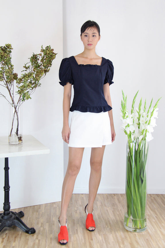 Puffy Sleeves Square Neck Top