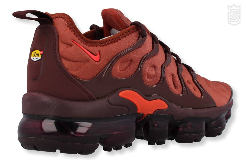 W Air Vapormax Plus - Schrittmacher Shop
