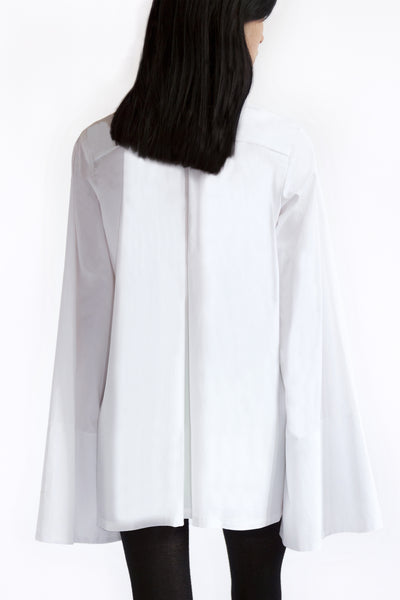 oversized shirt in white cotton with maxi sleeves
