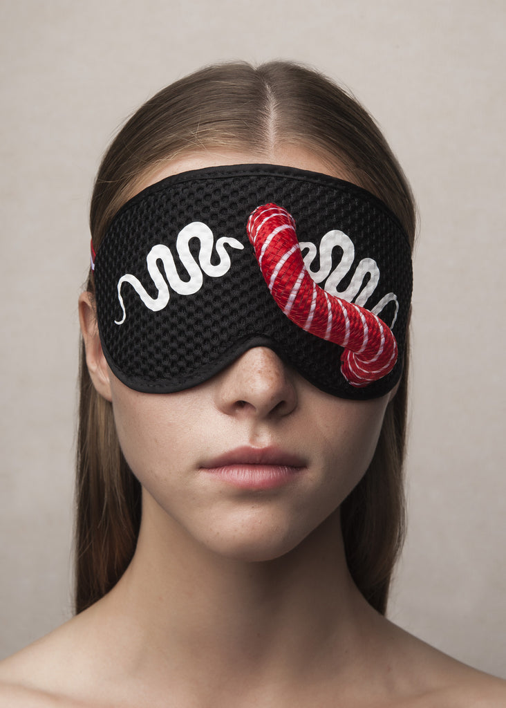 sleeping mask in neoprene mesh with tubular crin appliqué