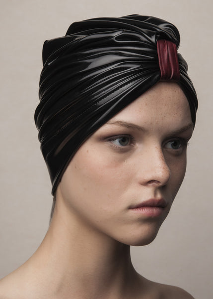 turban in black vinyl