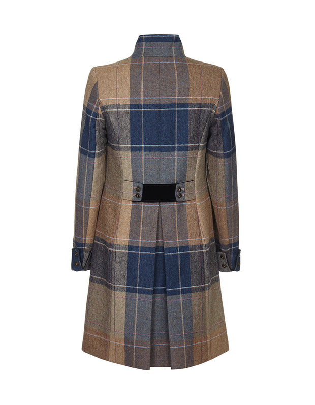 Women's wool coat in beige and navy blue tweed with velvet collar and tailored cut