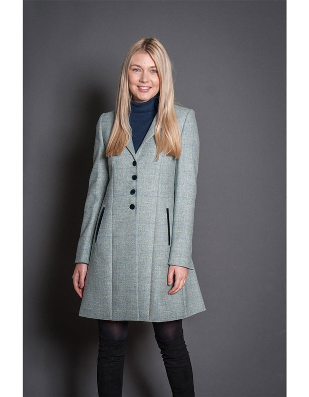 Ladies elegant coat in light mint green tweed with fit and flare shape
