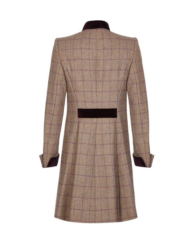 Beige wool tweed coat with purple velvet collar and fit and flare shape