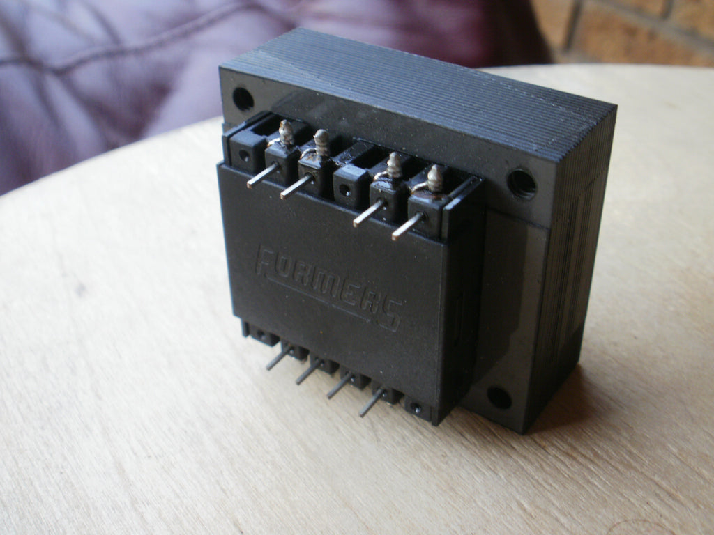 240 Volt AC transformer  110-0 110-0 in output  0- 7.5 0-7.5 4va