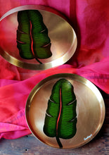 Load image into Gallery viewer, Handpainted Banana leaf kansa thali