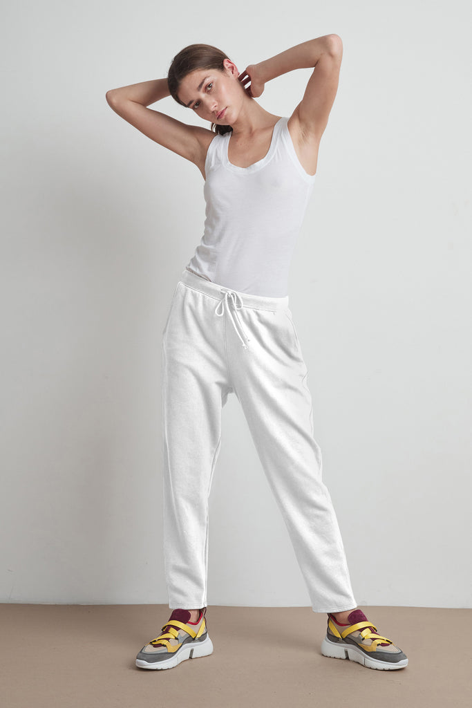 BESSY VINTAGE FLEECE JOGGER IN WHITE