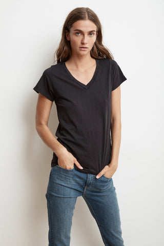 JILL SHORT SLEEVE V-NECK TEE IN BLACK