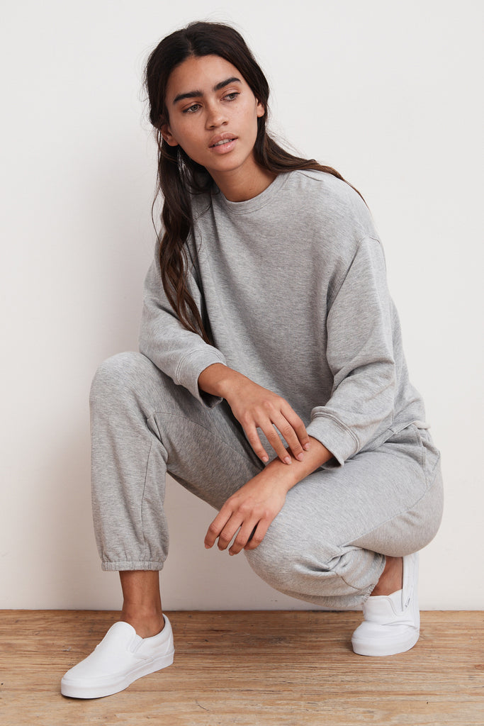 ANELLY LUXE FLEECE PULLOVER IN HEATHER GREY