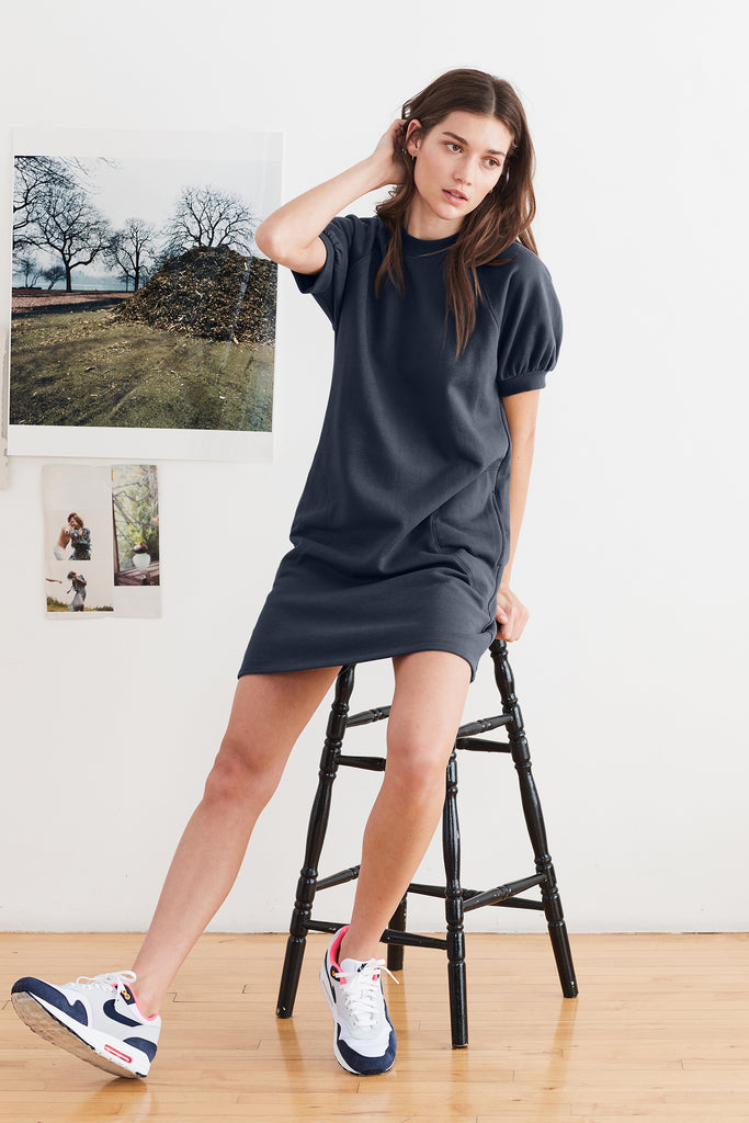 LUCY VINTAGE FLEECE RAGLAN DRESS IN MIDNIGHT
