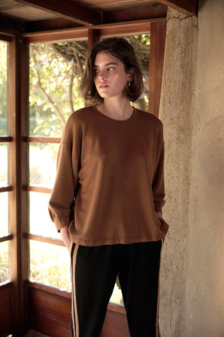 RUMER ATHLEISURE LUX FLEECE TOP IN SAHARA
