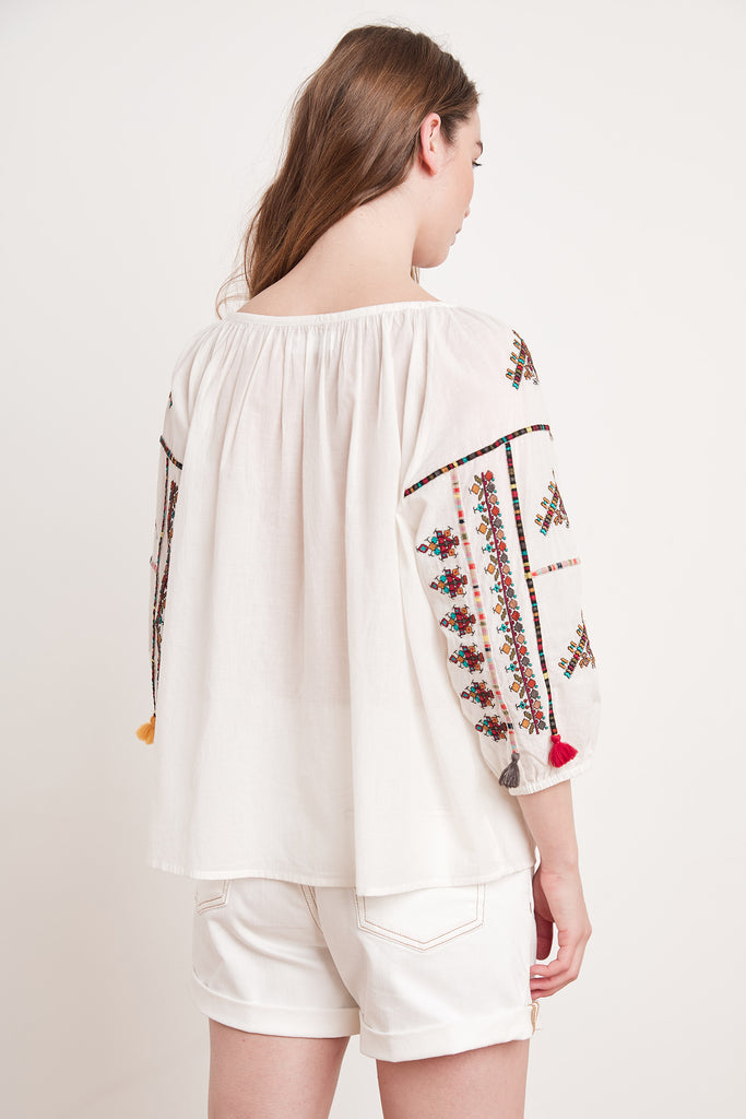 NYSSA AZTEC EMBROIDERY TOP IN OFF WHITE