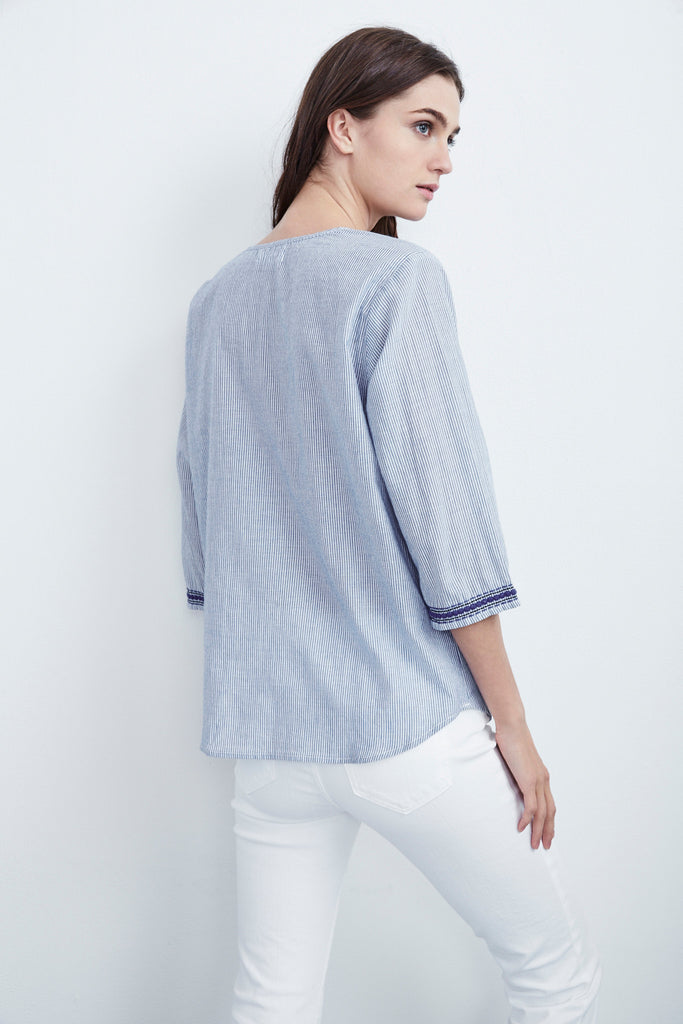 MALLORY EMBROIDERED COTTON 3/4 SLEEVE TOP IN BLUE