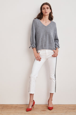 FREJA 3/4 TIE SLEEVE CASHMERE SWEATER IN HEATHER GREY