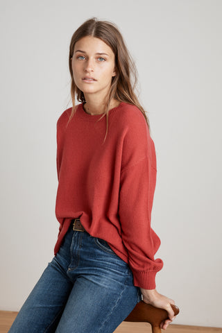 SELINA CASHMERE CREW NECK SWEATER IN SNAPPER