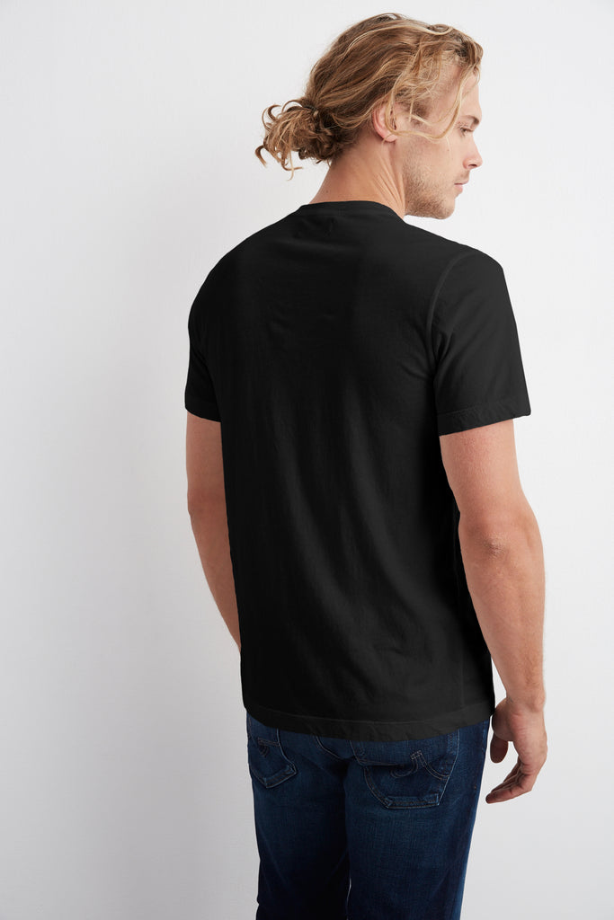HOWARD WHISPER CLASSIC CREW NECK TEE IN BLACK