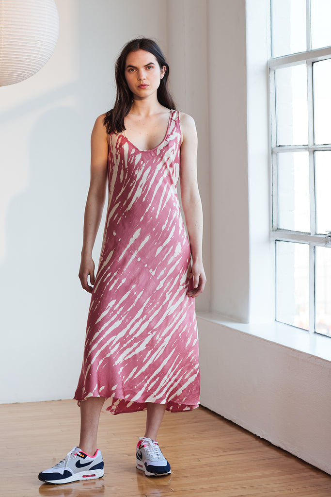 BILLY TIE DYE SATIN DRESS IN ROSE